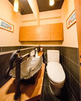 男女別のトイレ