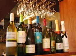ワインも豊富に取り揃えてます。