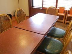 座敷のテーブル席は予約必須
