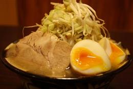 ガッツリ豚骨G麺