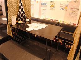 可愛らしい雰囲気に和むテーブル席