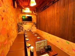 最大12名収容可能の個室席