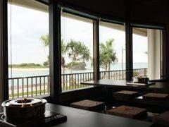 窓の外はビーチ! サンセットも美景